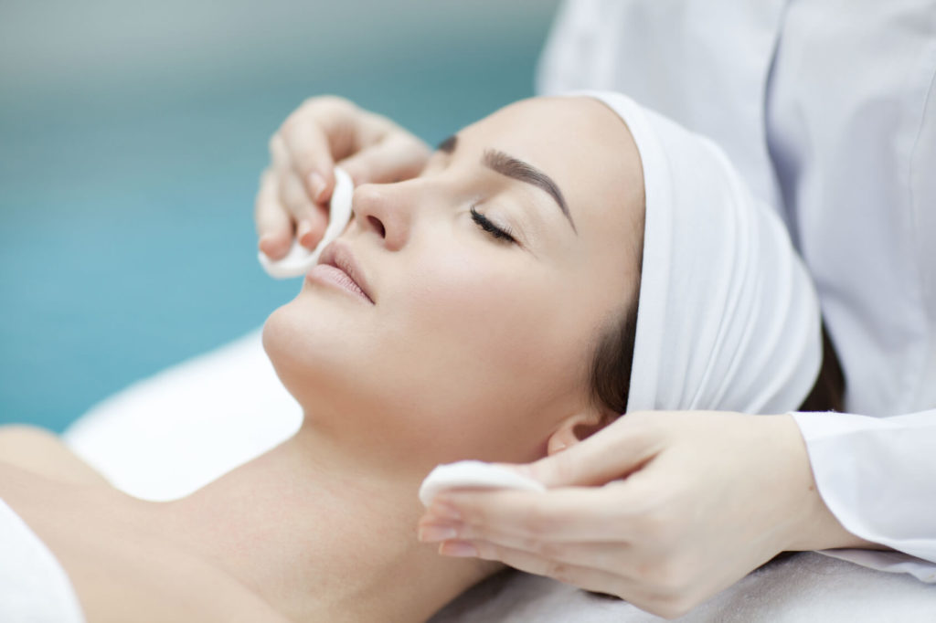 Los mejores tratamientos para recuperar la piel después del verano en Madrid